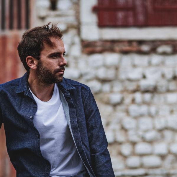 Sur chemise en jean, 100% coton bio, made in france signée Les Hirondelles